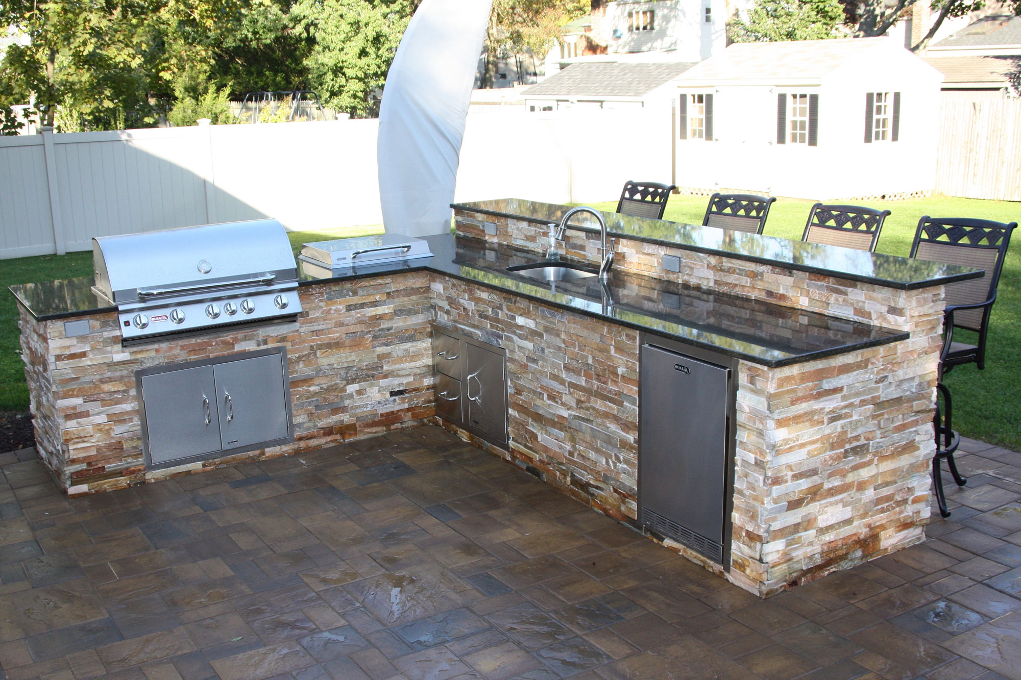 Outdoor kitchen with barbeque